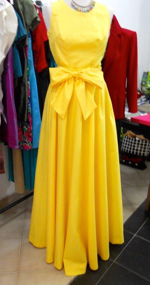 Prenota il tuo abito lungo #raso su #Cittaweb #LadyR e recati in #negozio #Atelier #Boutique Lady R di #RosinaMosca per indossarlo o prendere le misure. Gli acquisti avvengono in sede #moda #fashion #fashionblogger #AltaModa #MadeinItaly #glamour #luxury #abitidacerimonia #abbigliamentodonna