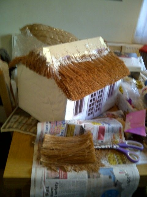Thatch Cottage: Miniature Thatch Roof Tutorial. A thached roof; be still my heart. This tutorial is for a large house, but it definitely has a lot of pointers that would help with a smaller thatched roof.