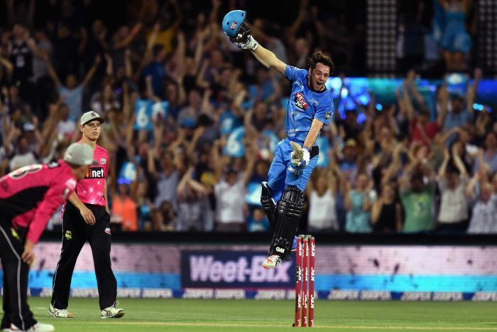 """Travis Head got his own style to say """"Happy New Year"""" when he scored 101 from 53 balls, guess what it seems like he was saying """"Bring it On"""" while playing master strokes during the Big Bash League"""