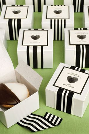 Black and white cookie party favors. SO classy....just wanna eat them up!