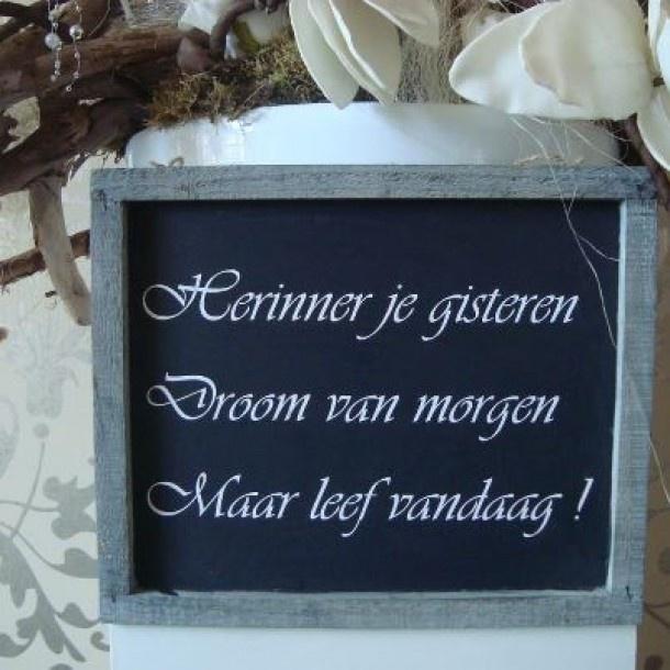 Leuke kleine teksten op een houten brocante lijstje Veel leuke artikelen met tekst op www. Door Jymo
