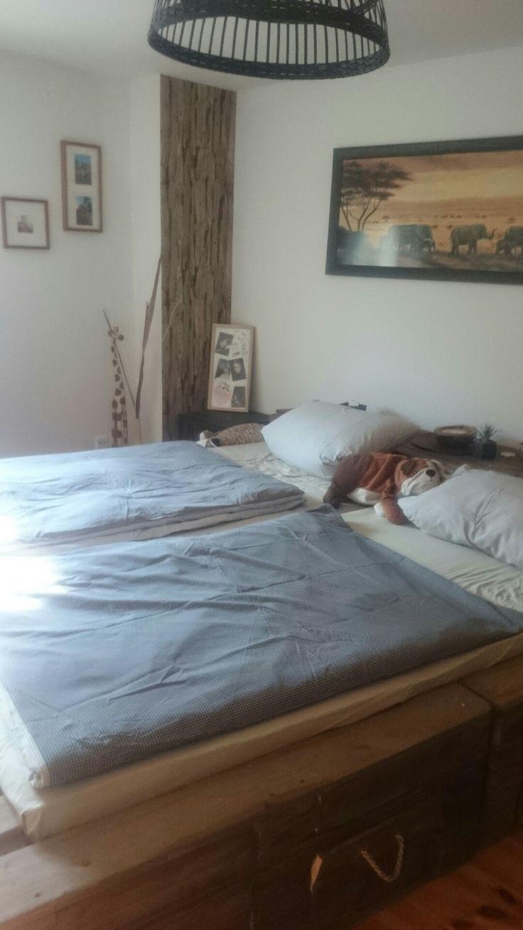 Schlafzimmer, Schrank Und Bett Aus Europaletten