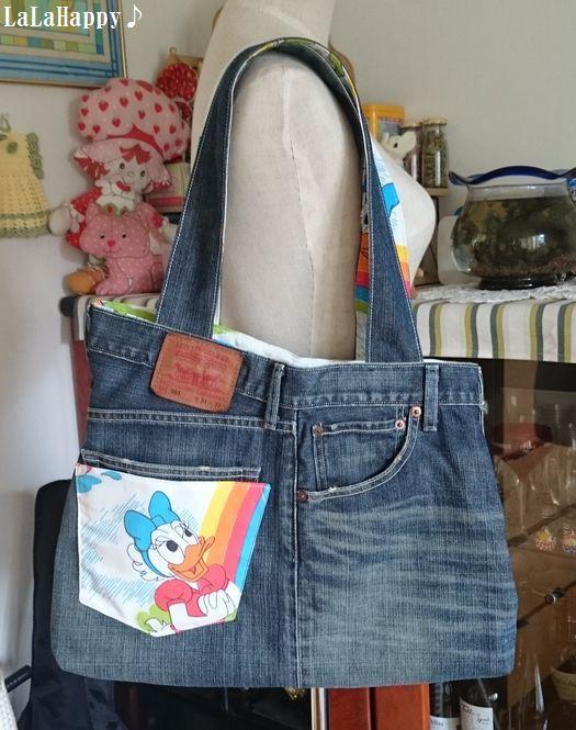気に入っていたけど履けなくなってしまったデニムを使って、一年中使えるデニムのバッグをリメイクしてみませんか?使い勝手のいいトートバッグや、人気のクラッチバッグの作り方とアイデアをご紹介します♪