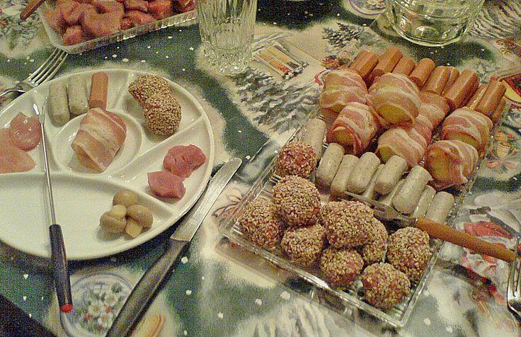 http://www.chefkoch.de/rezepte/575601156320477/Fleisch-Fondue.html