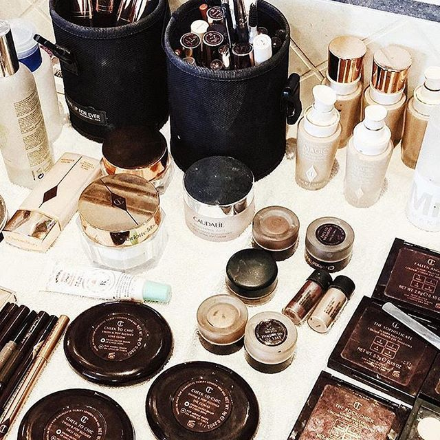 When makeup is super pretty, it makes it better right? 😉 #tbt to the chic set up we had for the shoot with @foraycollective. .  .  We can't live without a good mascara and eyebrow pencil. What are the must haves in your makeup kit? .  #everydaymakeup #everygirl #theeverygirl #liveauthentic #livethelittlethings