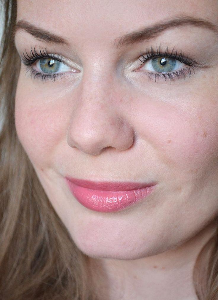 MAC Fanfare Lipstick Review