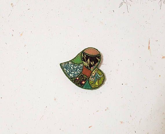 Christmas Green Brooch. Mosaic Textile Heart. Fabric Felt Fibre. Green Brown Pin. Latte Brown. Moss Green. Patchwork Style.