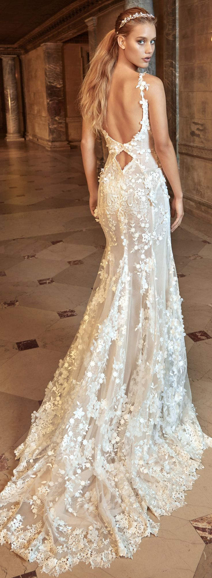 Best 25 diamond wedding dress ideas on pinterest for Wedding dresses with pearls and diamonds