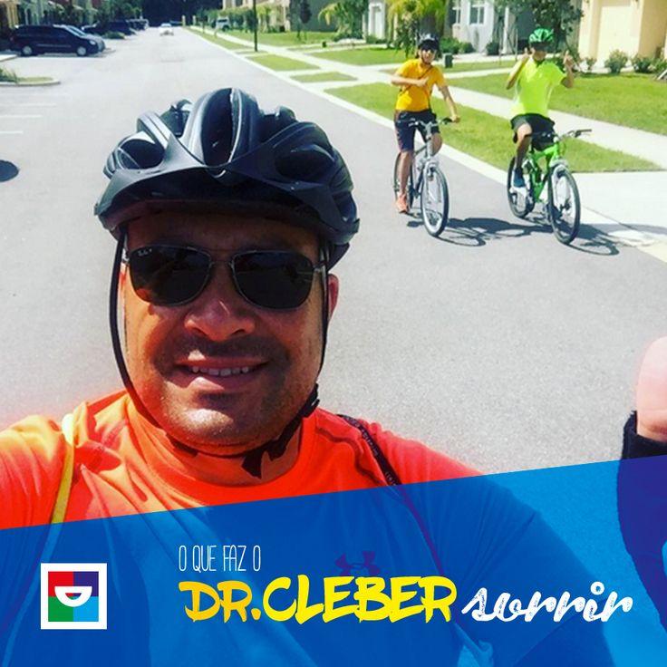 Para o Dr. Cleber, motivos não faltam para sorrir. Ele adora se desafiar em atividades com os filhos ou mesmo sozinho. Pedalar, disputar maratonas e se superar diariamente.