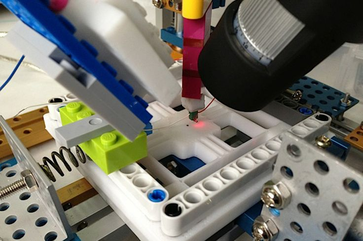 UCL students build low-cost, Arduino-powered, Lego atomic force microscope