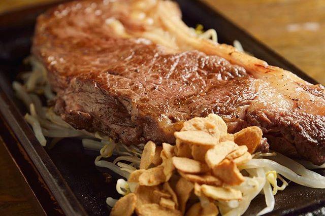 ⠀ *新宿駅 西口徒歩1分⠀ *ステーキ【鉄板ダイニングフェローズ】⠀ *お肉をガッツリ!南国リゾート風肉バル⠀ ⠀ 牛も豚もこだわりの食材を使用したお肉が楽しめる😍⠀ 最高級品質の国産牛をリーズナブルにご用意!⠀ コースや記念日プレートもあり、記念日や歓迎会にもぴったり✨⠀ 南国リゾートのホテルラウンジをコンセプトにした店内も素敵です☺⠀ ⠀ *営業時間:⠀ ランチ⠀ 11:30〜15:00 (L.O. 14:30)⠀ ディナー⠀ [月火水木金土] 17:00〜23:00 (L.O. 22:00)⠀ [日] 16:30〜22:30 (L.O. 21:30)⠀ *分煙⠀ ⠀ #鉄板ダイニングフェローズ #EPARKグルメ #肉 #ステーキ #美味しい #おいしい #ランチ #グルメ #女子会 #ママ会 #飲み会 #バル #新宿 #新宿グルメ #新宿ランチ #東京グルメ #ご飯 #ごはん #男子会 #激ウマ #いいね #フォロー #飯テロ #ディナー #夜ご飯 #delicious #japanesefood #gourmet #japan