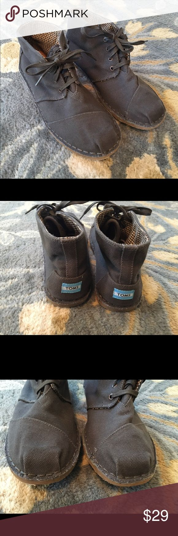 Men's Tom's Charcoal Desert Botas Sz 10 Worn a couple of times. Final price. Shoes Chukka Boots