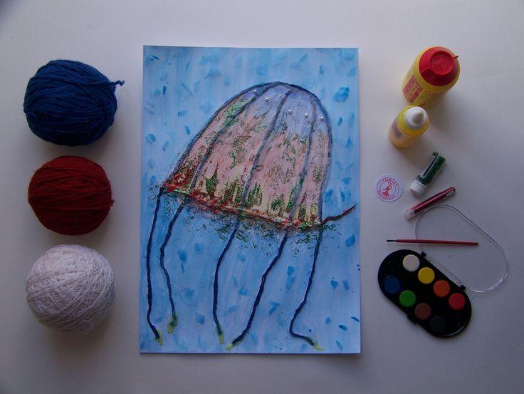 Pastelky, hedvábný papír, bavlnky, třpytky, vodovky. Medúza dostane bavlnkami 3D tvar. Skvěle vypadají i větší ryby. * #creativekids #creative #creativetime #workwithkids #artsofchildren #workshop #meduza #tvorenisdetmi #tvorivedeti #jellyfish #ladylu #ladyluartist #followladylu