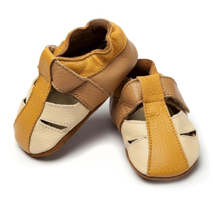 Atacama Beige http://www.liliputibabycarriers.com/soft-leather-baby-sandals/atacama-beige