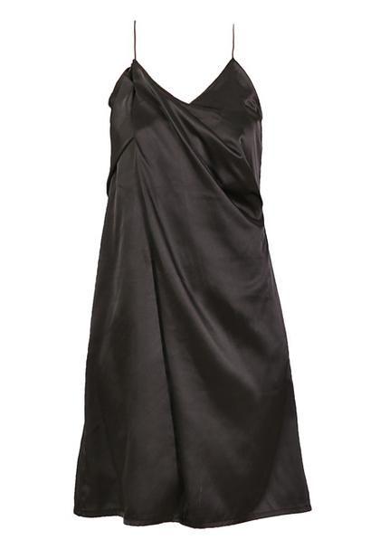 Lingerie φόρεμα + T-shirt: Ο τοπ συνδυασμός τώρα! | μοδα , shopping ideas | ELLE