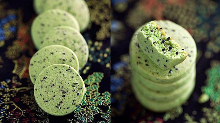 Яркое печенье с кунжутом и зеленым чаем