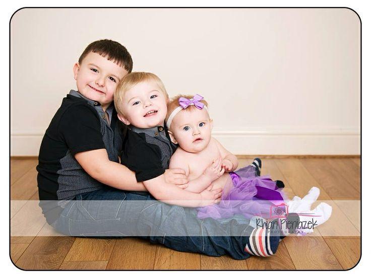 Families. Siblings. Rhian Pieniazek Photography.