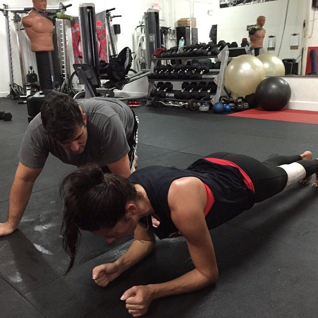 Pin for Later: 8 Things We Learned About Adriana Lima's Fitness Routine From Her Instagram Account She knows the benefits of a plank very well.
