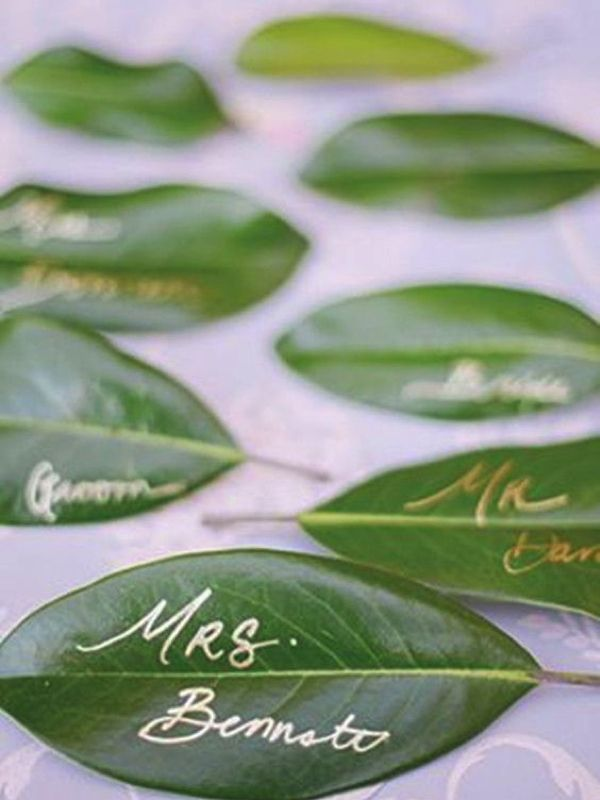 Leaf place cards. Hot new wedding trend: Greenery – Pantone colour of the year 2017