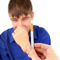 9 dari 10 Remaja Merokok Karena Terpengaruh Iklan | Berita Terbaru 2013
