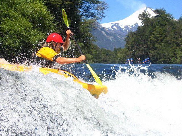 https://flic.kr/p/3dAHoi | Kayak | vamos!   Rio trancura, Pucon, Chile ( Fondo volcan villarrica)
