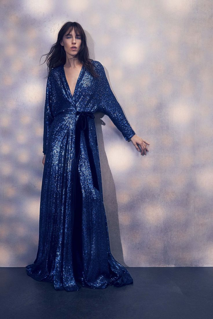 Jenny Packham Spring 2018 Ready-to-Wear  Undefined.  glitter wrap dress