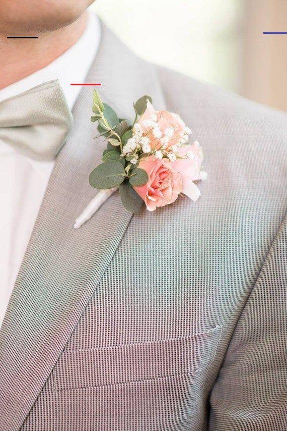 Boutonniere Zarte Bluten In Rosa Anstecker Brautigam Hochzeit Hochzeitsgaste Blumen Anstecker Corsages Das Besondere Etwas Fur Den Brautigam Oder Den Trauz