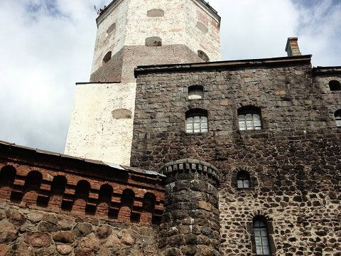 Vyborg Castle (Russian: Выборгский замок, Finnish: Viipurin linna, Swedish: Viborgs fästning) is a Swedish built medieval fortress around which the town of...