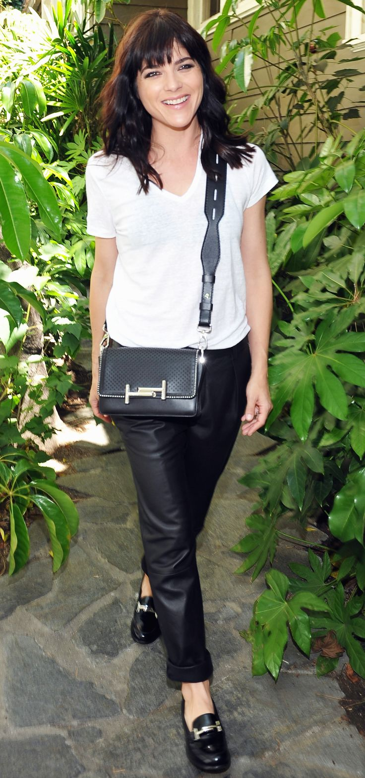 So pretty! Selma Blair rocked a casual chic outfit at the Baby2Baby Luncheon in LA on Tuesday, April 19.