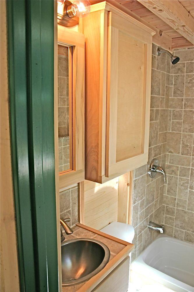 Les 89 meilleures images du tableau granny flat bungalow for Tiny house bathroom ideas