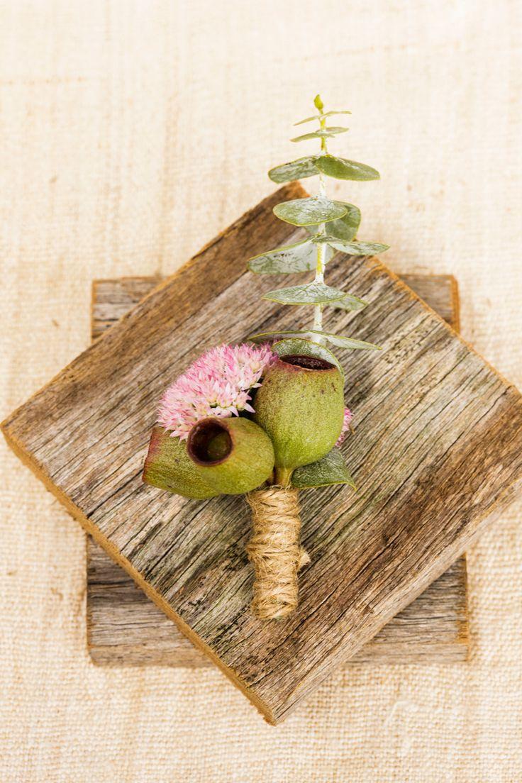 Love this Australian native buttonhole! Perfect for a modern Australian wedding…