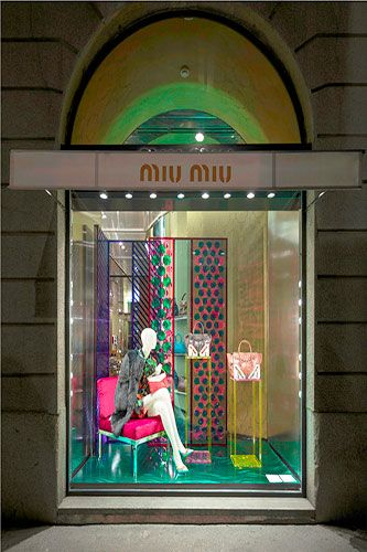 Meet The 3 Window Displays Even Scrooge Would Appreciate #refinery29