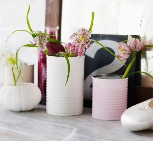 des pots de fleurs originaux à partir de boites de conserve