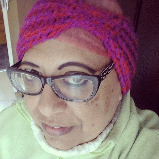 Wearing the Everly Headwrap on this cold and rainy day #NiftyNadi on #etsy #crochet #capetownrain