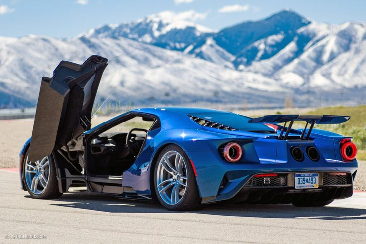 2017 Ford GT, Liquid Blue.