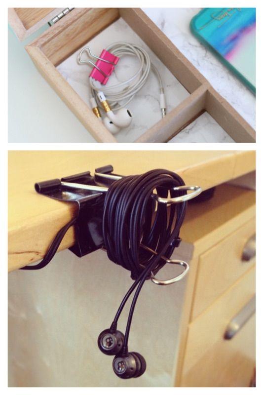 3. Evitar fones perdidos e embaraçados. Evite que seu fone fique embaraçado usando um grampo de pasta. Aproveite para prendê-lo na roupa ou em lugares para fácil acesso.