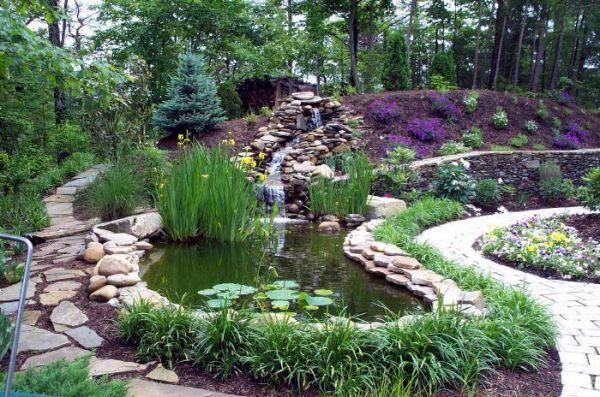 Jardines terap uticos espacios verdes para lograr el for Escaleras para caminar fuera del jardin
