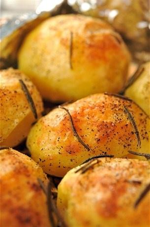 «Запеченный картофель в крупной соли» рецепт – постная еда: закуски. «Афиша-Еда»
