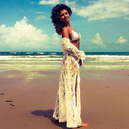 Paula Fernandes aparece de cara lavada na praia: 'Eu como sou' #Anitta, #Biquíni, #Cantora, #Carnaval, #Dispara, #Foto, #Instagram, #M, #Morena, #Noticias, #PaulaFernandes, #Praia, #Rock, #RockInRio, #Show http://popzone.tv/2017/03/paula-fernandes-aparece-de-cara-lavada-na-praia-eu-como-sou.html