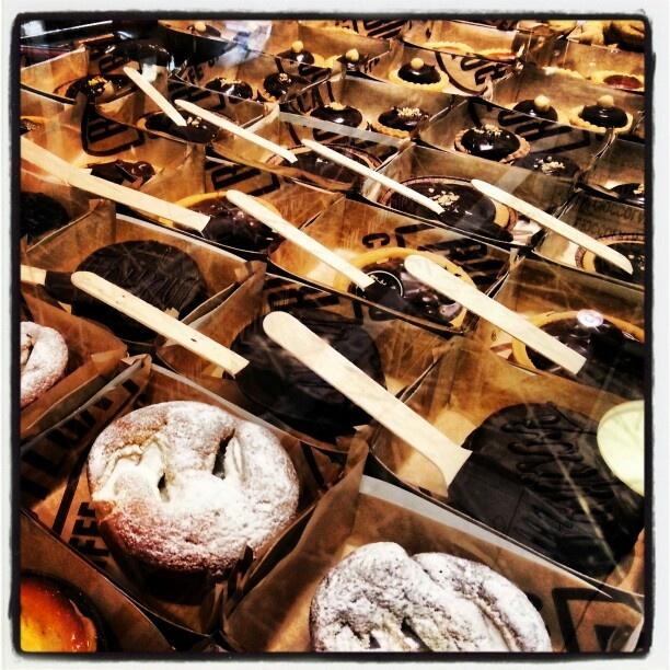 Friday sweet Friday. #sweet #friday #italianfood #italianrecipe #kitchen #food #madeinitaly #shoppinginitaly #shopping #online #shop #it #tourism #italyloveyou #italyphoto #italianeography #italiano #italiana #italians #italianstyle #italianlovers #italianpride #italianphoto #italianpride
