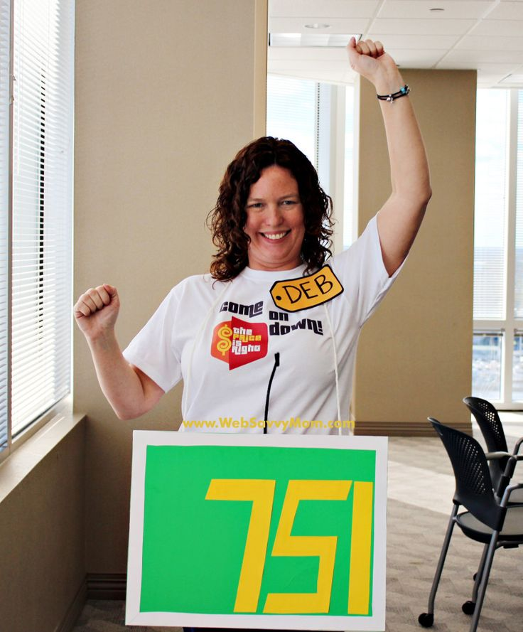 The Price is Right DIY Halloween costume as a contestant. Supplies cost less than 10 bucks.