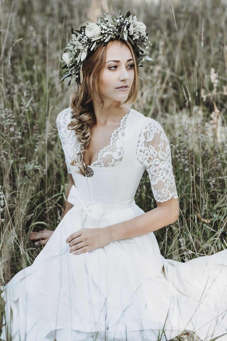 #Desire #Wedding Dirndl The beautiful White Wedding Dirndl Desire of Alpenherz is now available. The front brooch and the folds …