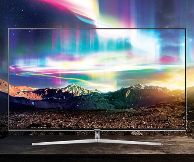 The Samsung curved 78″ 4K UHD smart TV will redefine the way you watch TV and movies. This WiFi enabled TV features a quantum dot display for unparalleled visuals and a curved screen that delivers an immersive experience with off-angle viewing.