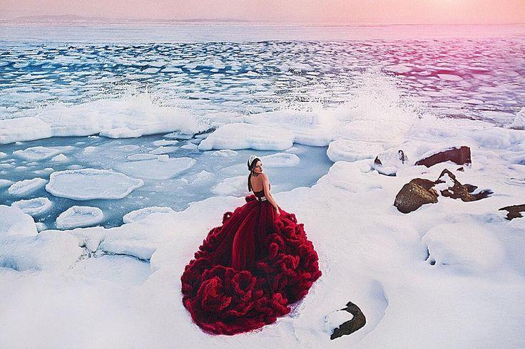 """«Назвали эту съемку """"В поиске Атлантиды"""" невероятное ощущение что ты на краю света, и эти глыбы льда отрывающиеся от берега придают какой то сказочности!…»"""