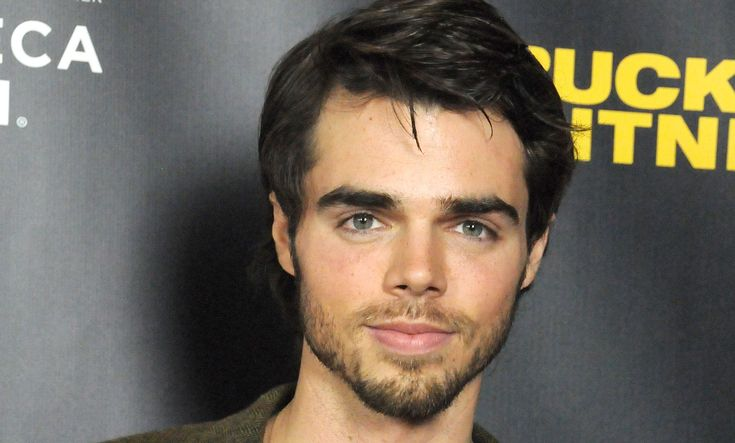 'Modern Family' actor Reid Ewing revealed that he's been waging a private battle with body dysmorphia and plastic surgery.
