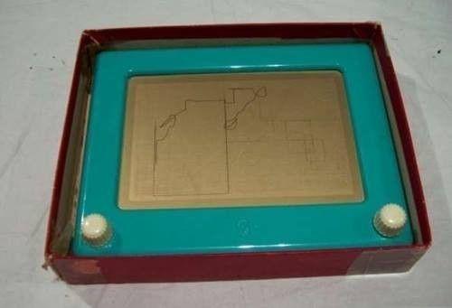 Nekünk még ez volt a tablet.. :)Emlékeztek mekkora csodának számított a mágikus tábla, amikor megjelent? Sajnos én nem... - MindenegybenBlog
