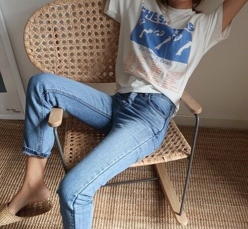 casual styling inspiration | vintage vibes | cozy outfit | styling idea | vintag…