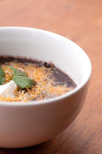 Суп из черных бобов с ямсом и сыром