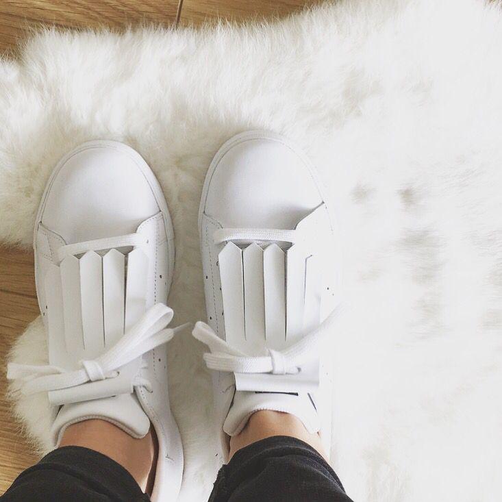 • Kiltie white • Adidas Stan Smith •