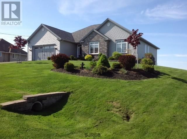105 CEDARWOOD Drive in Millidgeville, Saint John, New Brunswick
